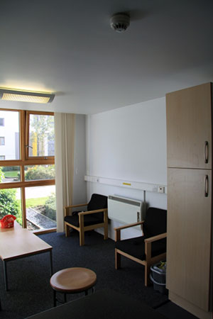 ec-camp-england-bristol-housing-frenchay-3.jpg