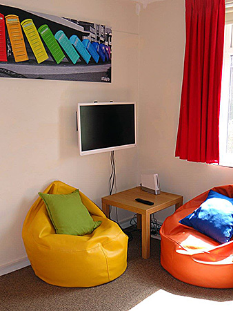 bedes-handcross-park-school-england-handcross-accommodation-2.jpg