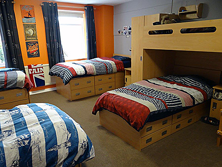 bedes-handcross-park-school-england-handcross-accommodation-3.jpg
