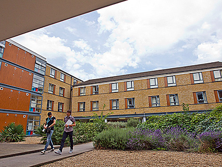 camp-arsenal-soccer-school-uxbridge-great-britain-london-accommodation-2.jpg