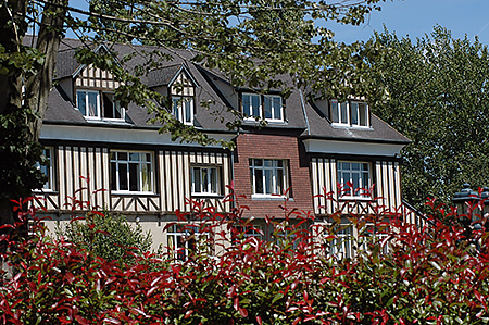 camp-ecole-des-roches-france-verneuil-sur-avre-accommodation-6.jpg