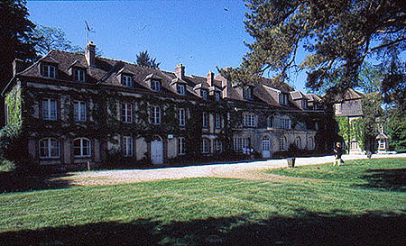 camp-ecole-des-roches-france-verneuil-sur-avre-accommodation-7.jpg