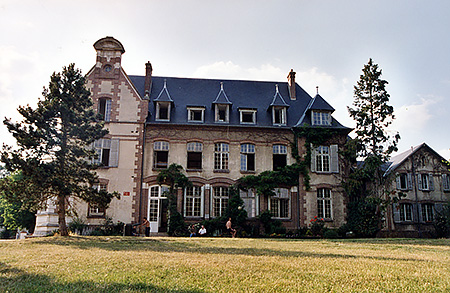camp-ecole-des-roches-france-verneuil-sur-avre-accommodation-8.jpg