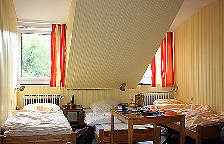 camp-gls-berlin-villa-germany-berlin-accommodation-1.jpg