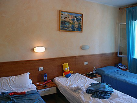camp-linguaviva-italy-lignano-accommodation-1.jpg