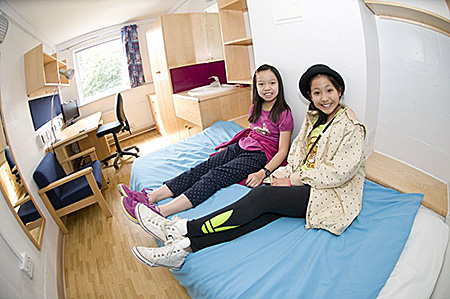camp-target-english-international-united-kingdom-bath-accommodation-1.jpg