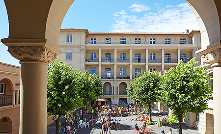 center-international-dantibes-france-cannes-campus-cannes-1.jpg