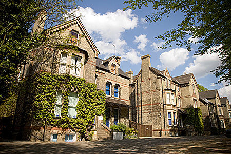studio-cambridge-united-kingdom-cambridge-sir-michael-residential-3.jpg