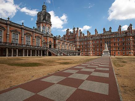 Oxford International Royal Holloway